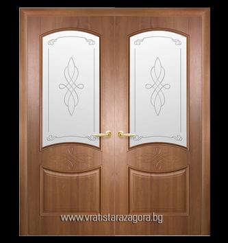 Двукрила портална врата модел Дона Остъклена цвят Златна елха