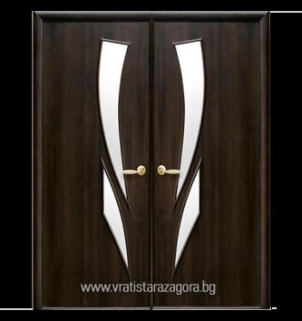 Двукрила портална врата модел Камея цвят Кестен