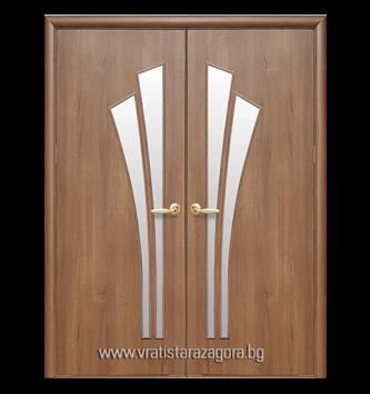 Двукрила портална врата модел Лилия цвят Златна елха